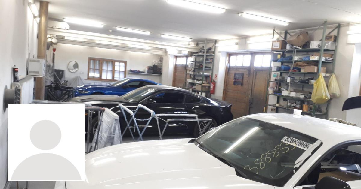 Automobiliu lyginimas,paruosimas, dazymas.